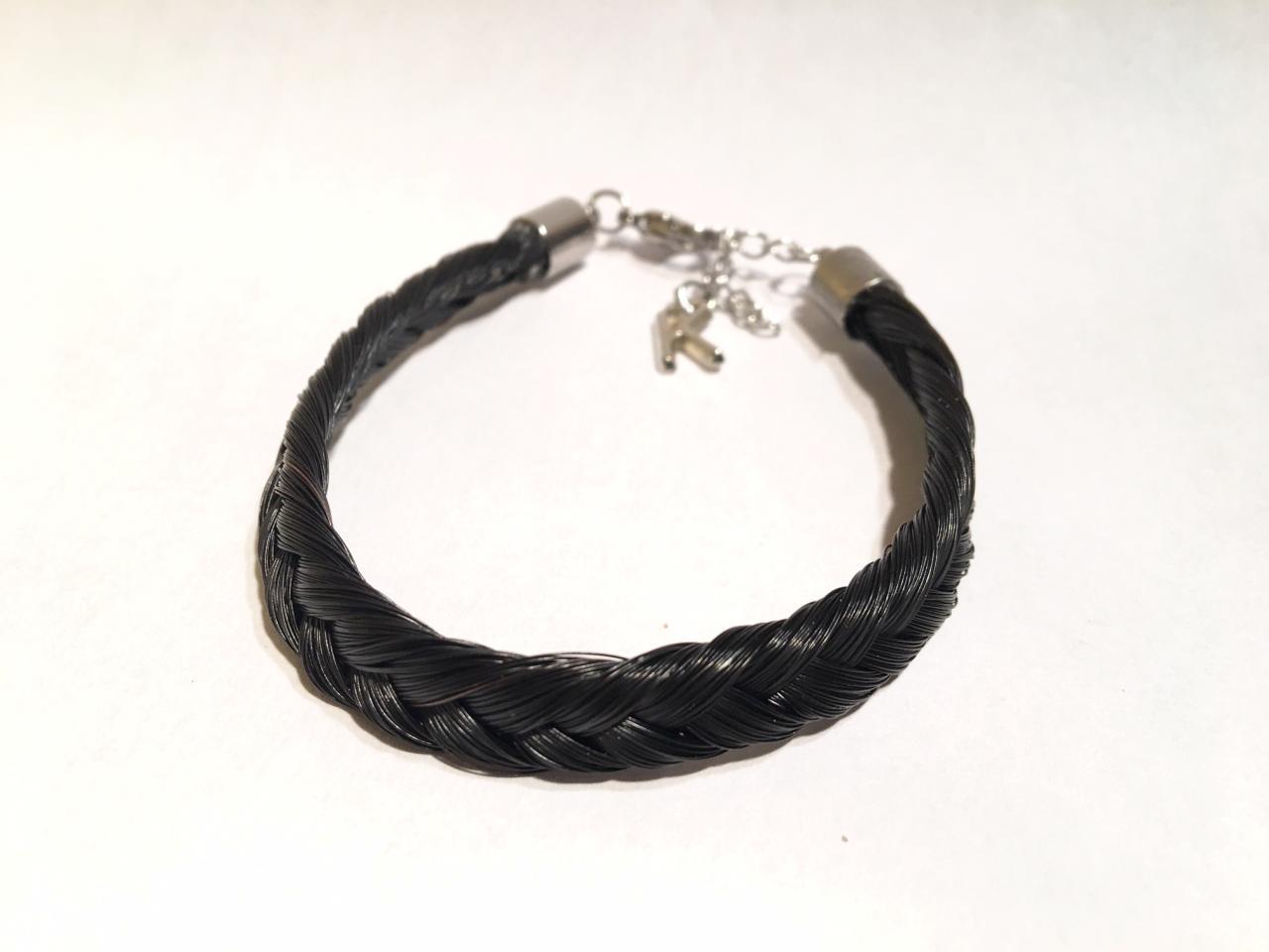 Bracelet en crins de cheval noir avec une initiale