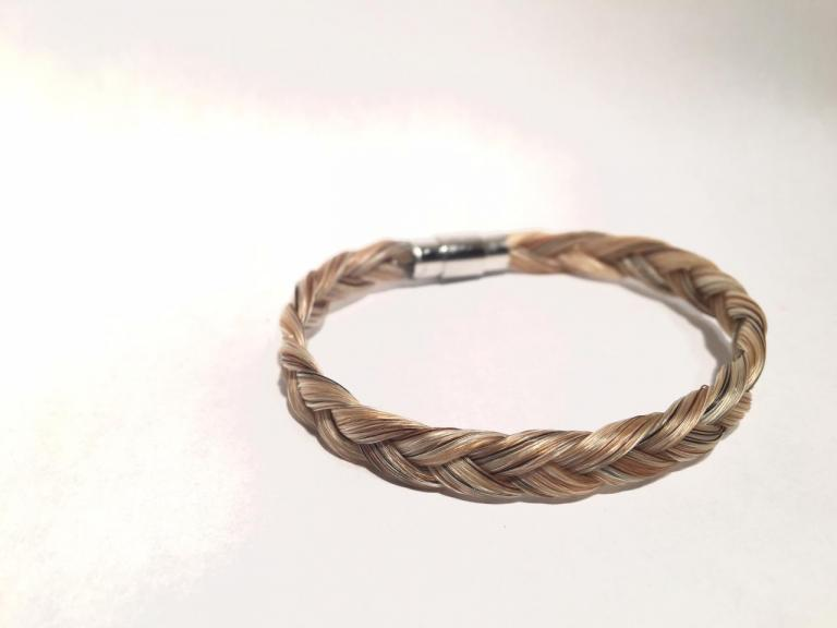 Bracelet en crins de cheval simple avec fermoir aimant