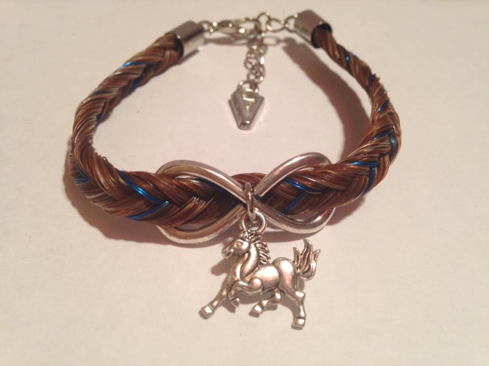 Bracelet coloré connecteur infini et petit cheval