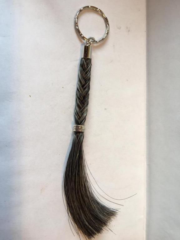 Porte clef tresse pompon avec anneau