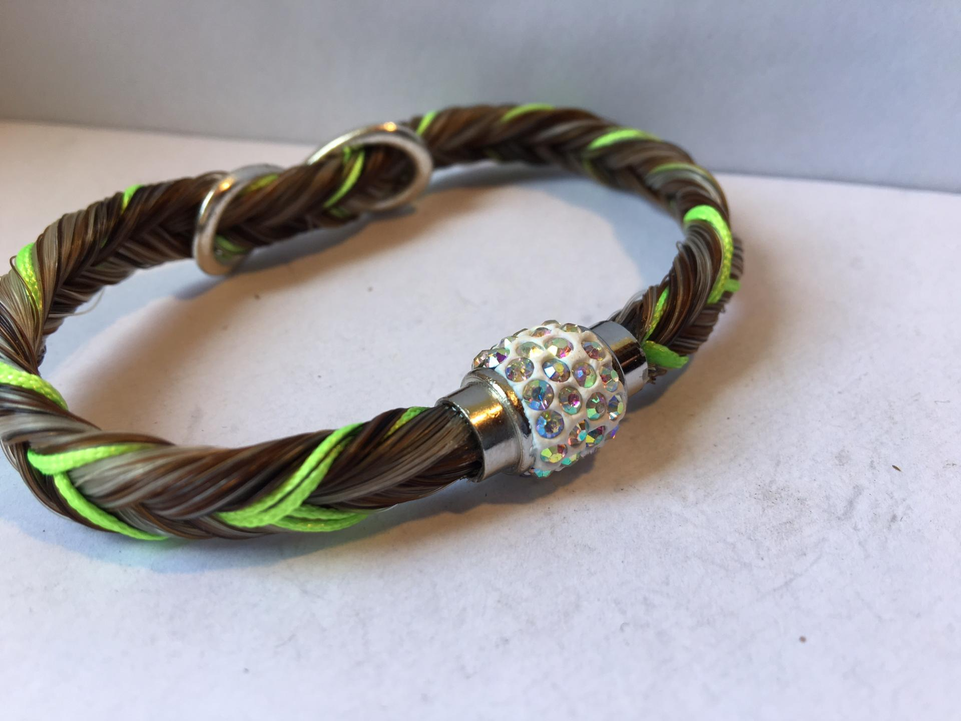 Creation crins bracelet cheval strass bling brillant vert pomme alezan flash infini ado class moderne