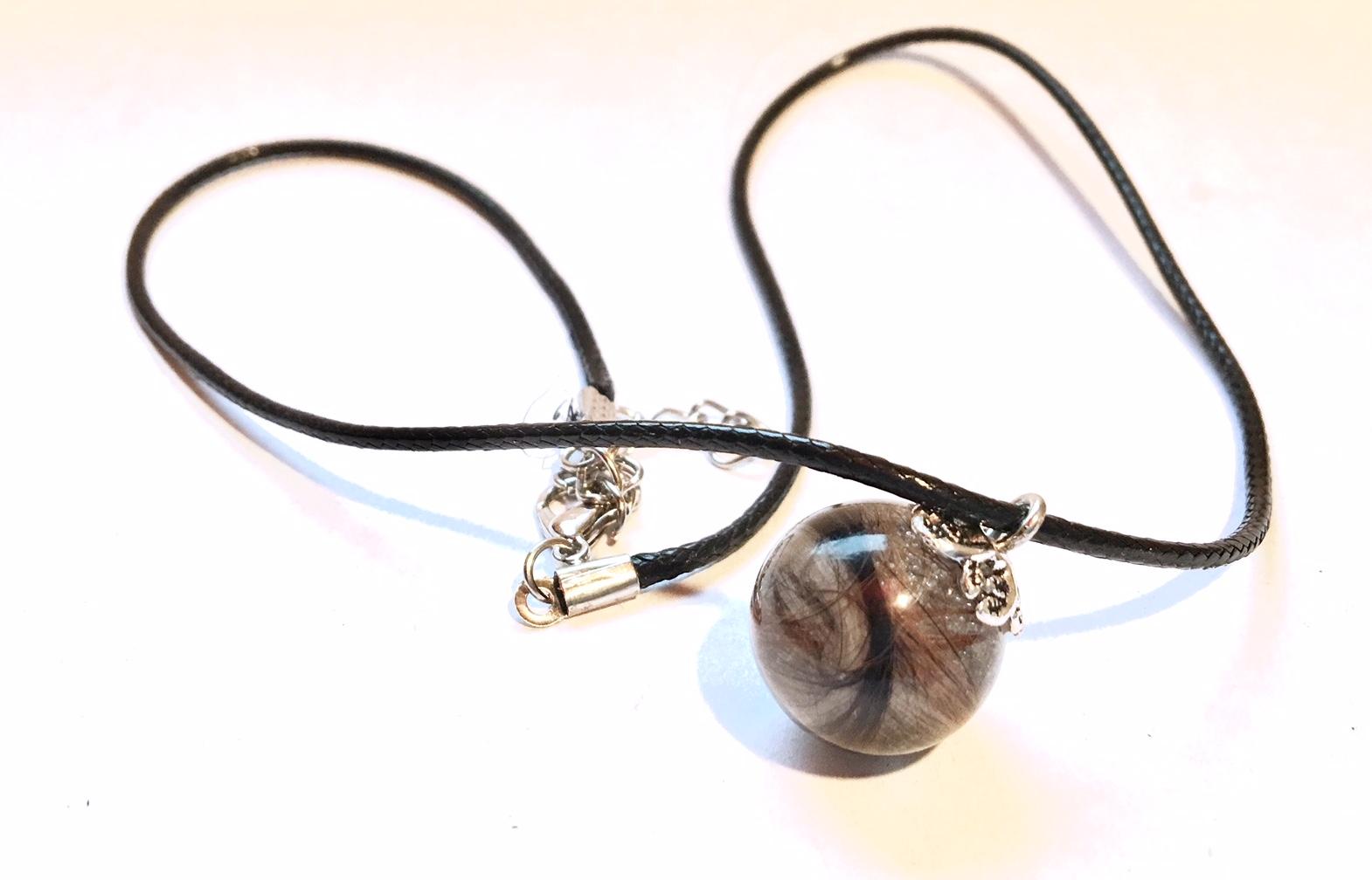 Creation crins cheval bijoux pendentif immortel sphere boule poils chien