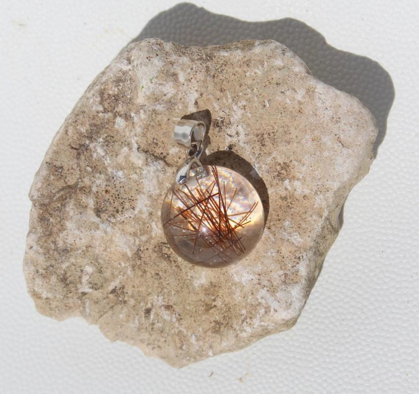 Creation crins cheval pendentif argent alezan rond petit discret resine solide 925 acier inoxydable