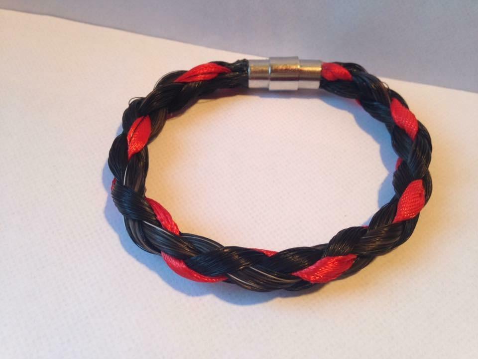 Bracelet tressage rond et fils colorés