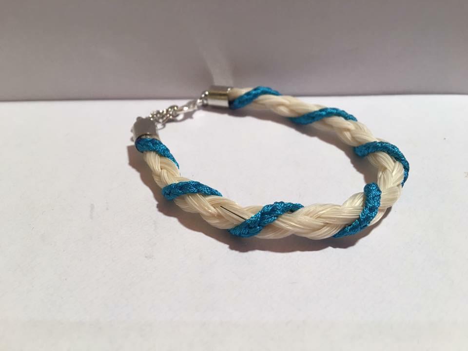 Bracelet en crins de cheval tressage rond avec fils coloré